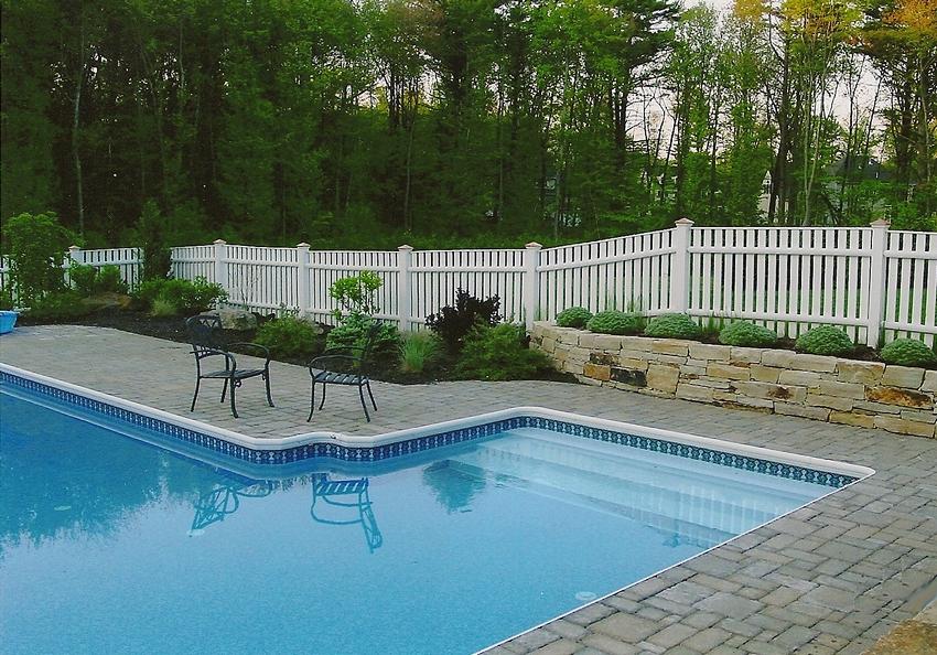 pool_walkway.jpg